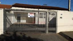 Casa com 3 dormitórios para alugar, 116 m² por R$ 850,00/mês - Jardim José de Almeida - Jo