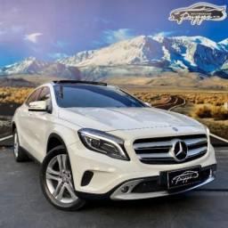 Mercedes GLA 250 Enduro 2.0 AT c/ Teto solar duplo
