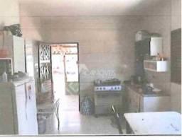 Casa à venda com 2 dormitórios em Centro, Curvelo cod:4398e817b78
