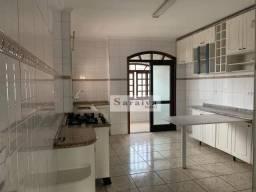 Apartamento com 3 dormitórios para alugar, 140 m² por R$ 1.685,72/mês - Vila Euro - São Be