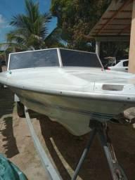 Barco com motor 60