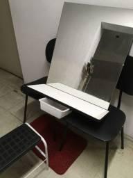 Prático console se salão+ cadeiras