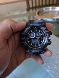 Relógio novinho ainda tá no plástico
