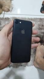 Troco iPhone 7 32g novinho