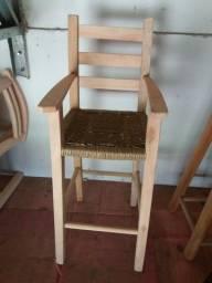 Título do anúncio: Cadeirote infantil para restaurante, em madeira maciça eucalipto.
