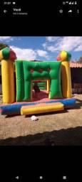 Castelinho inflável com motor