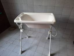 Banheira com suporte da Burigotto.