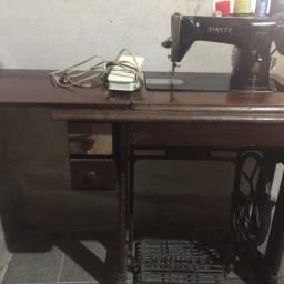Máquina de costura Singer das antigas