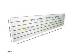 Painel Canaletado Branco 0,61 X 2,44 + 20 Ganchos Zincados de 20cm