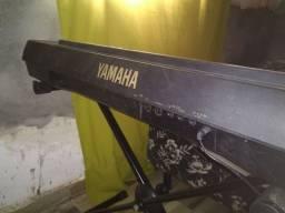 Teclado Yamaha PSR 520 (LEIA)