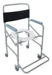 Cadeira de banho suporta 120 kg