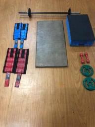 Colchonete e Alguns Equipamentos de Academia Exercícios/treino em casa