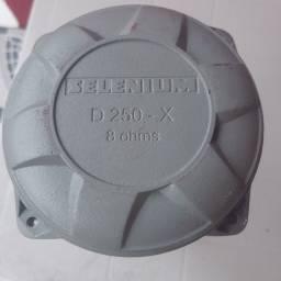 Título do anúncio: Vendo Drive D250-X sellenium (JBL *