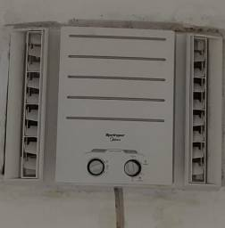 Título do anúncio: Ar-condicionado 10milBTU springer de caixa Midea