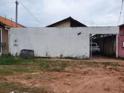 Alugo casa no bairro Amparo