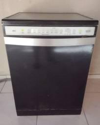 Vendo Máquina de lavar louça 12 serviços Brastemp