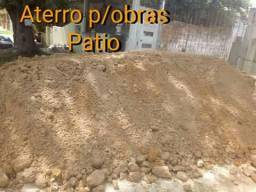 Aterro//areia média e fina//pedrisco//terra vegetal