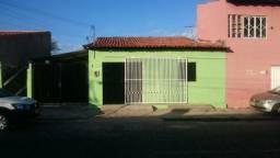 Alugo casa no renascença II (com garagem)