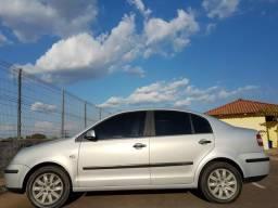 Carro POLO SEDÃ - 2005