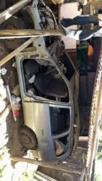 Corsa Wagon capotado - 1997