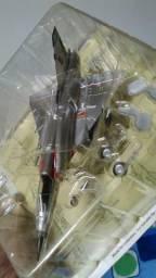 02 (duas) un Avião De Combate Dassault Mirage Iii
