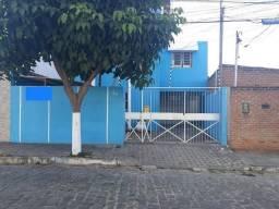 Alugo casa Bairro Universitário em Caruaru