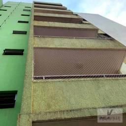 8033 | Apartamento à venda com 3 quartos em Zona 06, Maringá