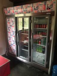 Geladeira Expositora 3 portas R$4.500,00