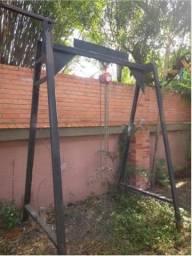 Talha manual 1T com estrutura de ferro