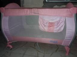 Berço com colchão bebê conforto e carrinho de bebê