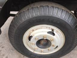 Caminhão 1113 pipa