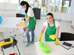 Limpeza de casa apartamento escritório consultório