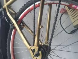 Vendo bike filé toda de alumínio aro 26