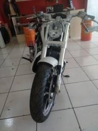 Vende-se Harley Davidson V-Rod Muscle Ano 12-13