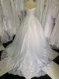 Vestido de Noiva Casamento Princesa Ombro a Ombro Cauda Brilho Barato
