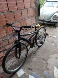 Bike vendo 200 reais falta ajeitar o aro de trás e os freios