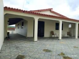 Casa ampla com 4 quartos!