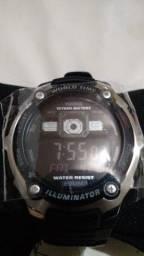 Relógio Cásio Aviador, novo, na caixa, com manual, à prova dágua 200 metros!