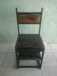 Cadeira que vira escada, resistente