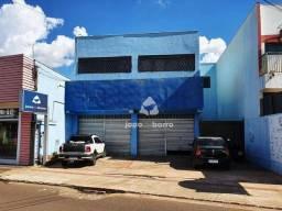 Apartamento com 3 dormitórios para alugar, 180 m² por R$ 2.000,00/mês - Vila Alba - Campo
