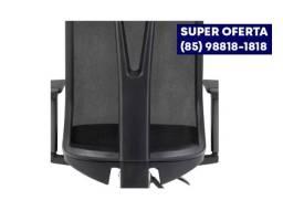 Título do anúncio: Cadeira giratória Addit Diretor (85)9. *
