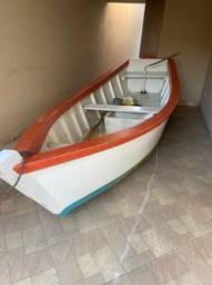 Canoa Nova de Pescaria