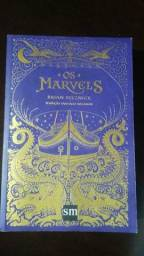 "Livro ""OS MARVELS"""