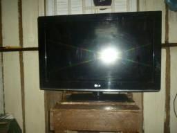Vendo ou Troco tv de led LG 32 polegadas(com defeito)