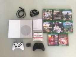 Xbox One S - 8 jogos / 2 controles em perfeito estado!