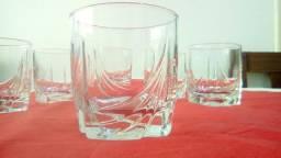 Jogos de copos de cristal