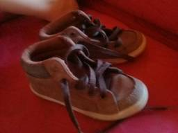 Sapato infantil tamanho 25