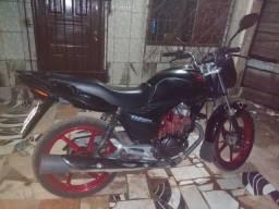 Vendo ou troco essa linda moto - 2012