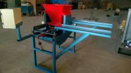 Máquina para fabricar paver liso