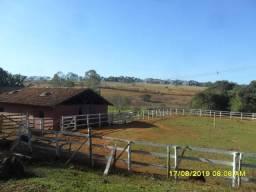 174B/ Belo haras de 12 ha pertinho da cidade de Entre Rios de Minas